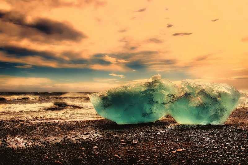 Stipsits Ibolya::Icy coast