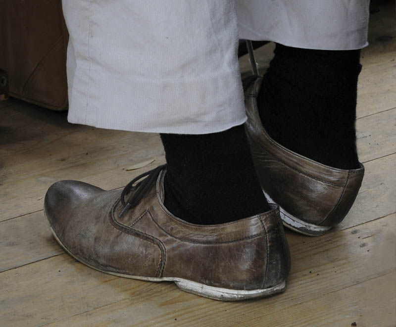 Varga Gyula::A művész úr cipője